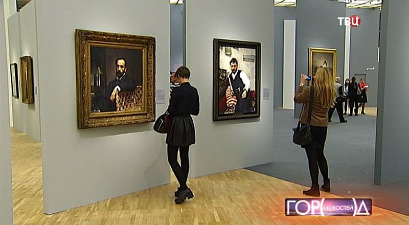Выставка картин в здании Третьяковской галереи