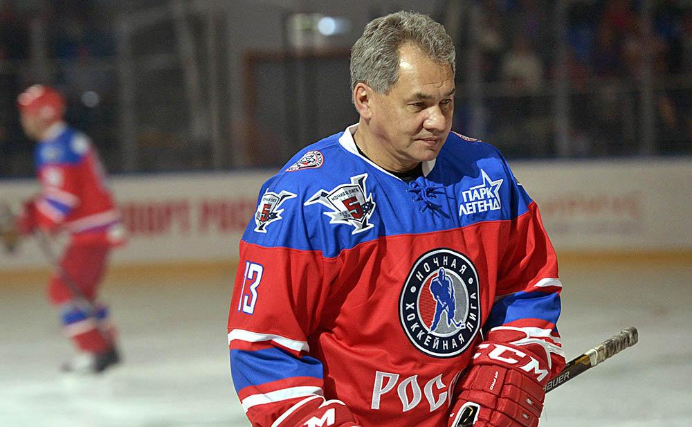 Министр обороны Сергей Шойгу принял участие в хоккейном матче