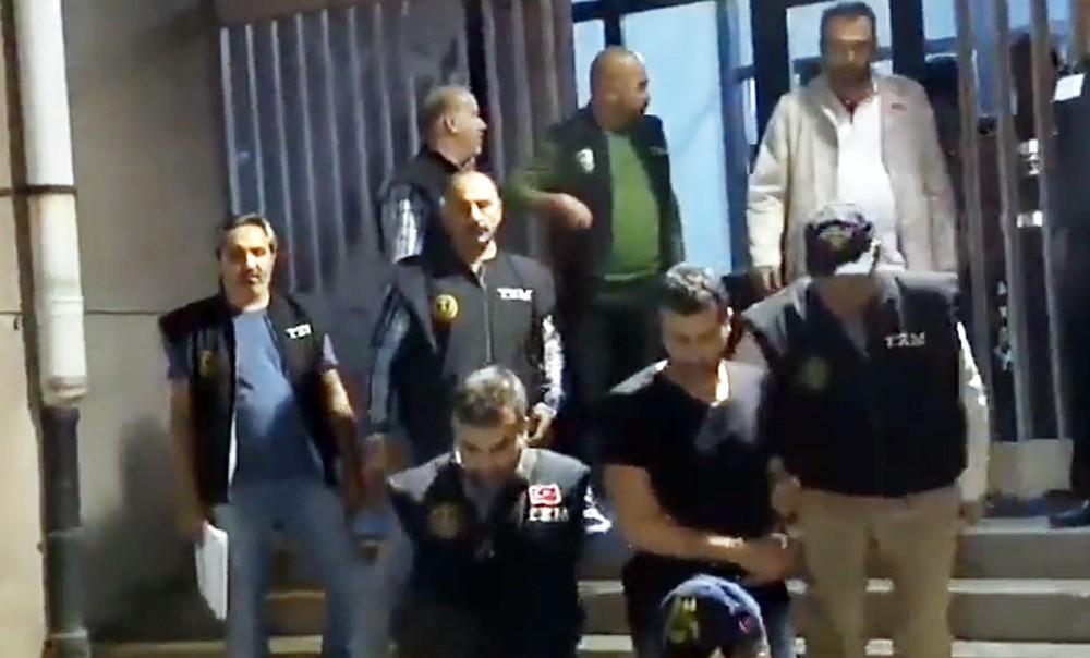 Полиция Турции ведет подозреваемого в теракте в Анкаре