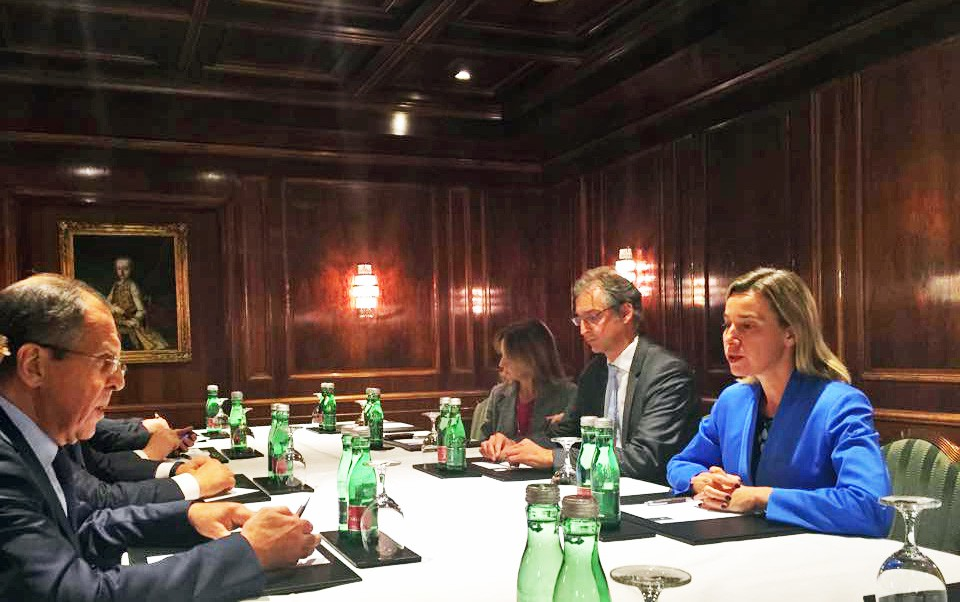 Министр иностранных дел России Сергей Лавров и глава европейской дипломатии Федерика Могерини
