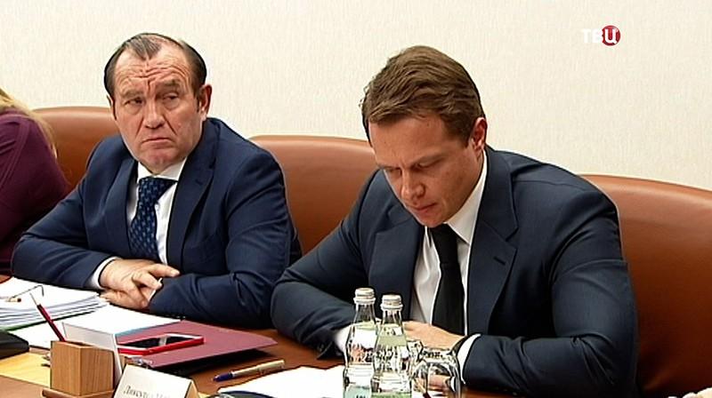 Пётр Бирюков и Максим Ликсутов на заседании Правительства Москвы