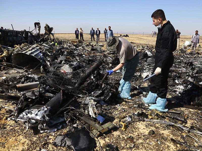 Место крушения российского лайнера A321 в Египте