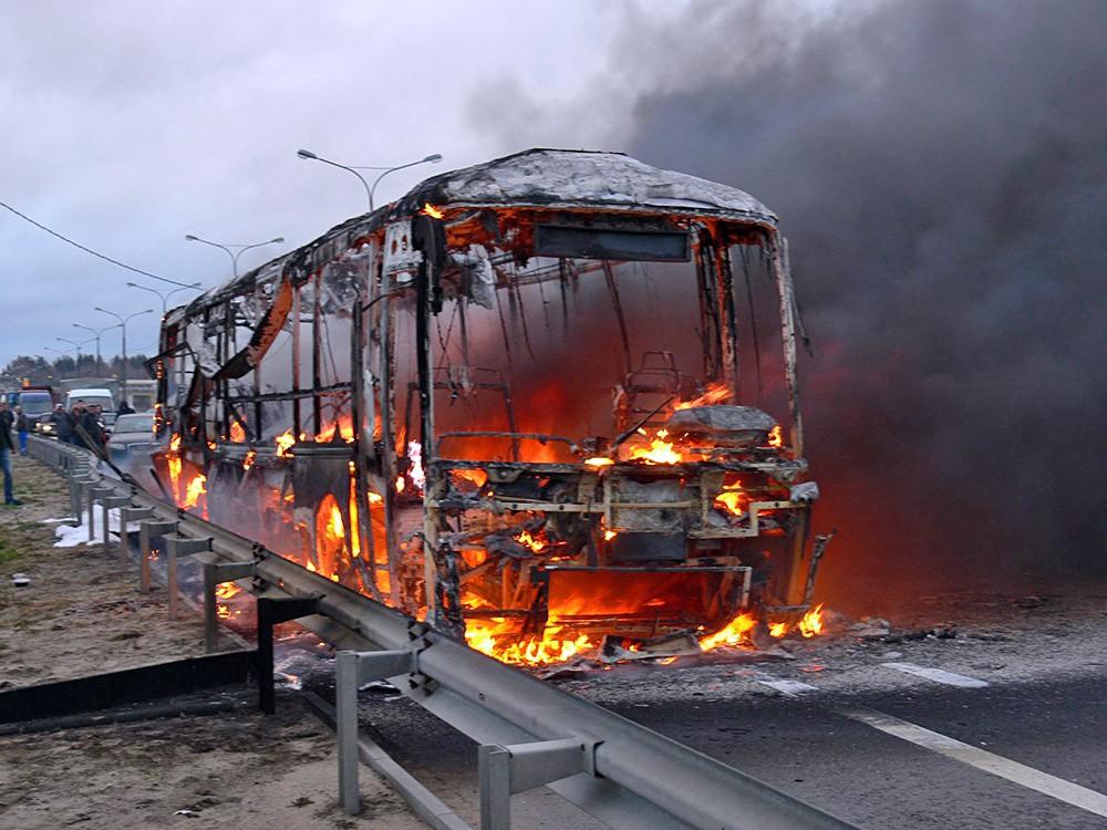 Сгоревший автобус