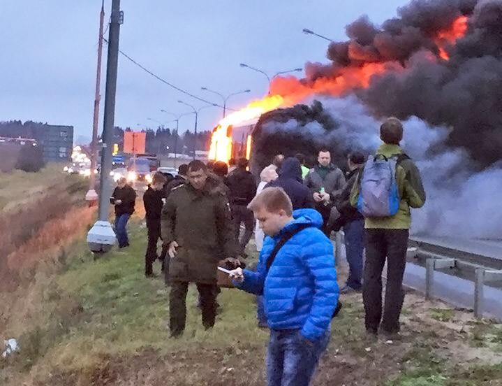 Пассажиры горящего автобуса