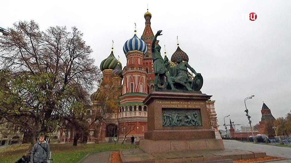 Памятник Минину и Пожарскому на Красной площади