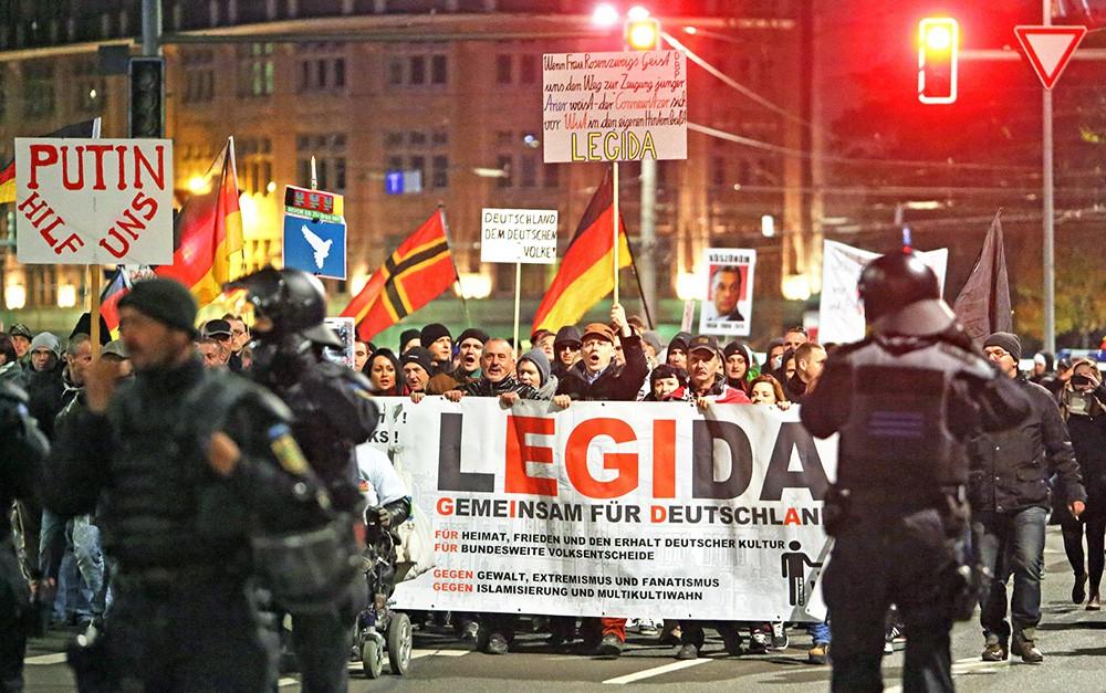 Анти-эмиграционный митинг в Германии