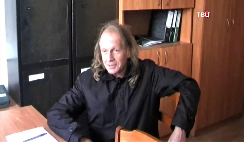 Певец Крис Кельми
