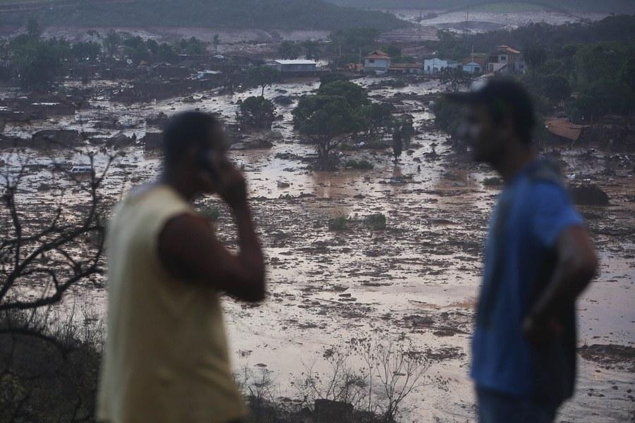 Последствия прорыва дамбы в Бразилии
