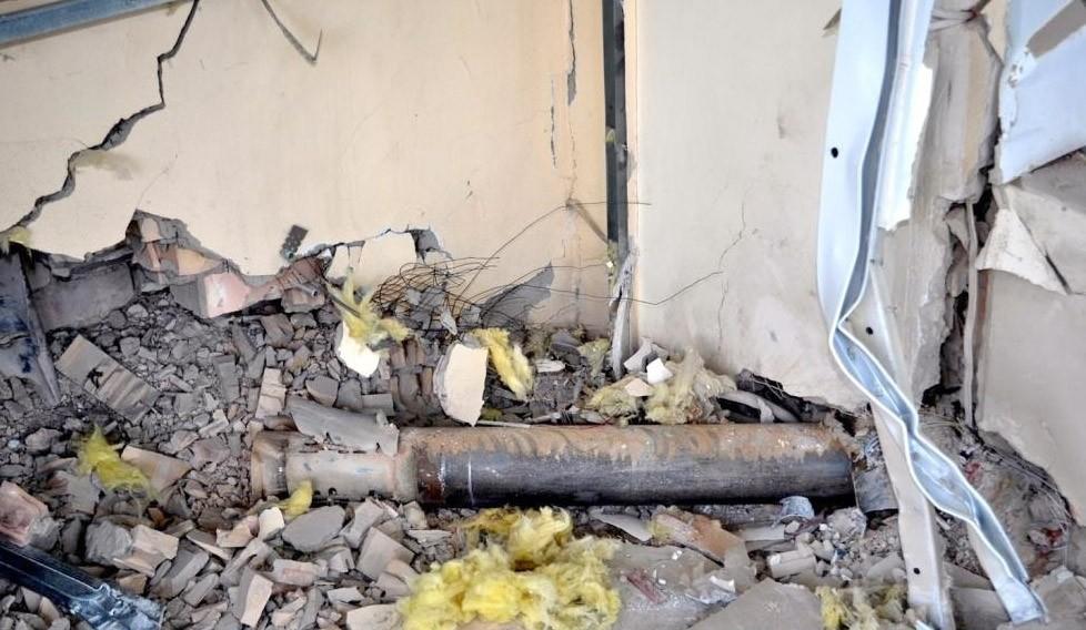 Последствия обстрела жилых кварталов Донбасса