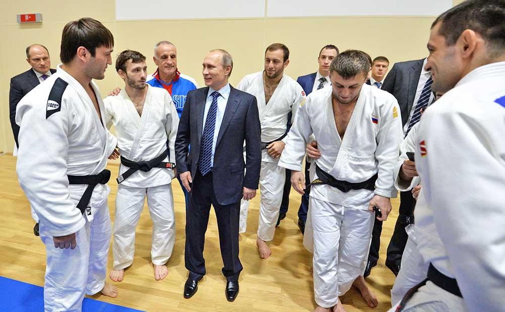 Президент России Владимир Путин осмотрел Федеральный центр единоборств