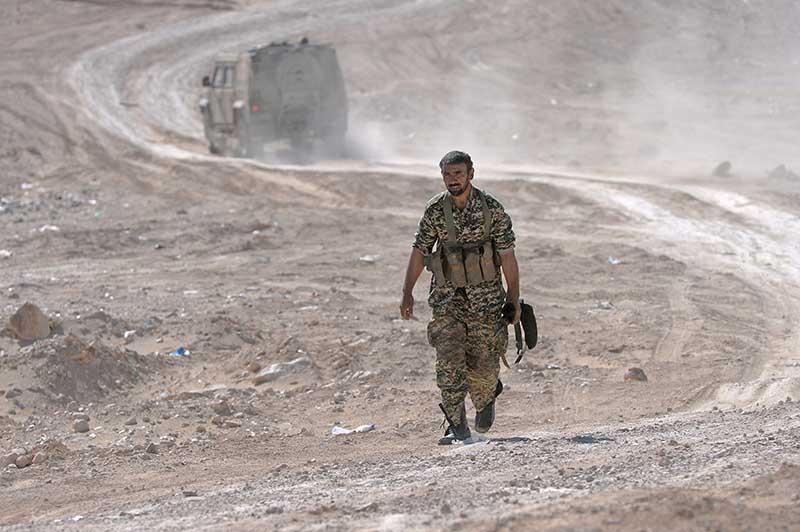 """Боец иранского отряда """"Фатимиюн"""", воюющего на стороне официального Дамаска и сирийской армии"""