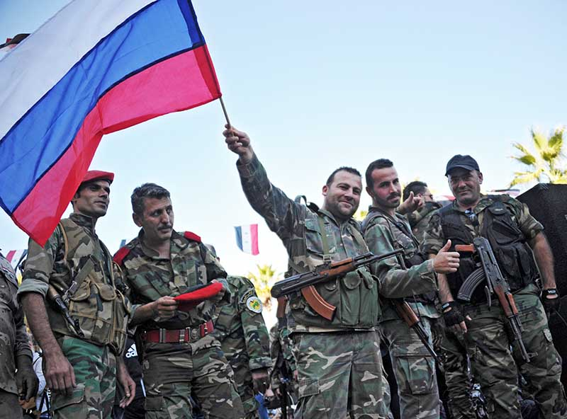 Жители Сирии на митинге в поддержку операции Воздушно-космических сил РФ