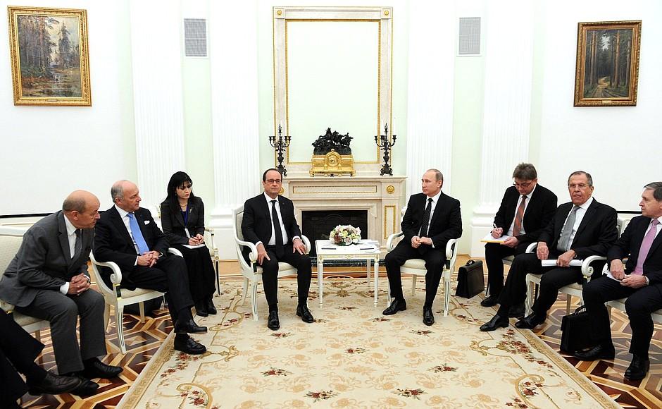 Владимир Путин на встрече с Президентом Французской Республики Франсуа Олландом