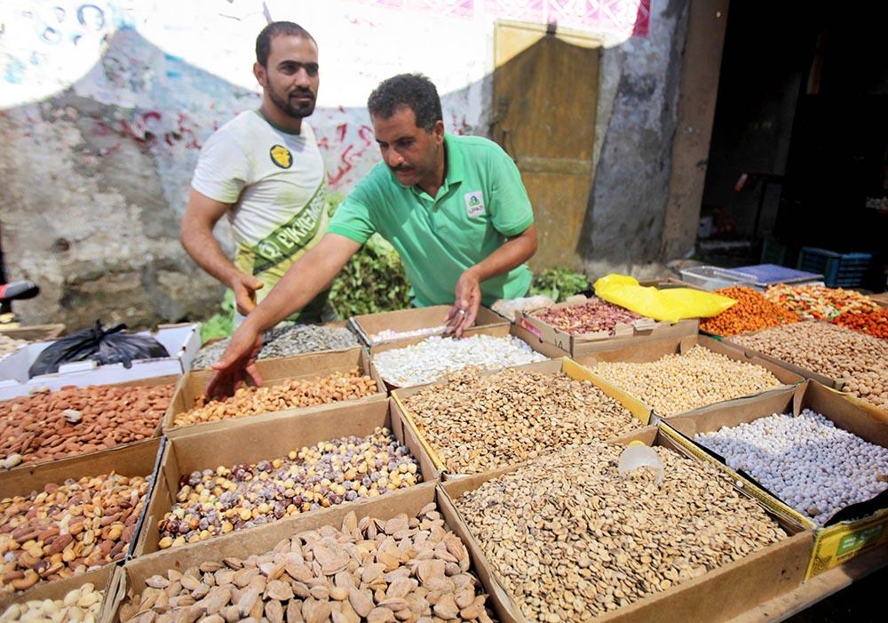 Продажа орехов на рынке в Турции