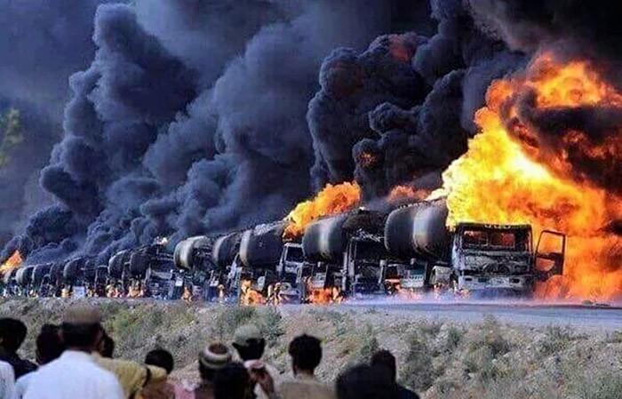 Горящие бензовозы в Сирии