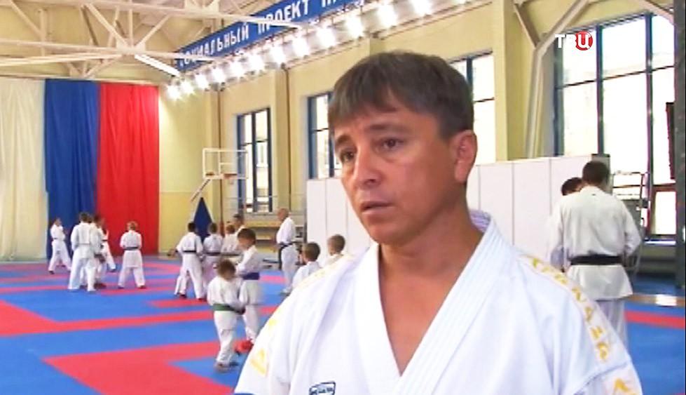 Тренер по карате Азамат Норманов