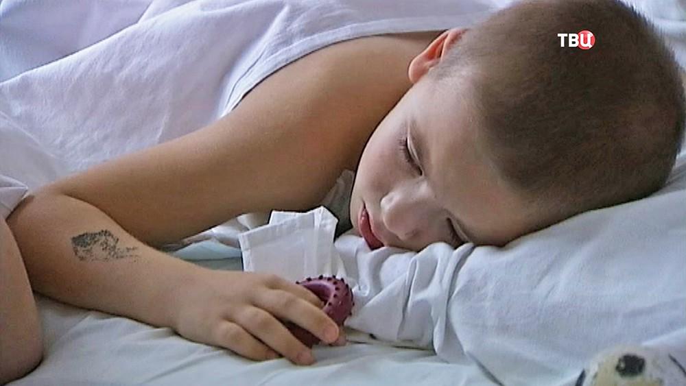 Раненый в голову Артём после операции