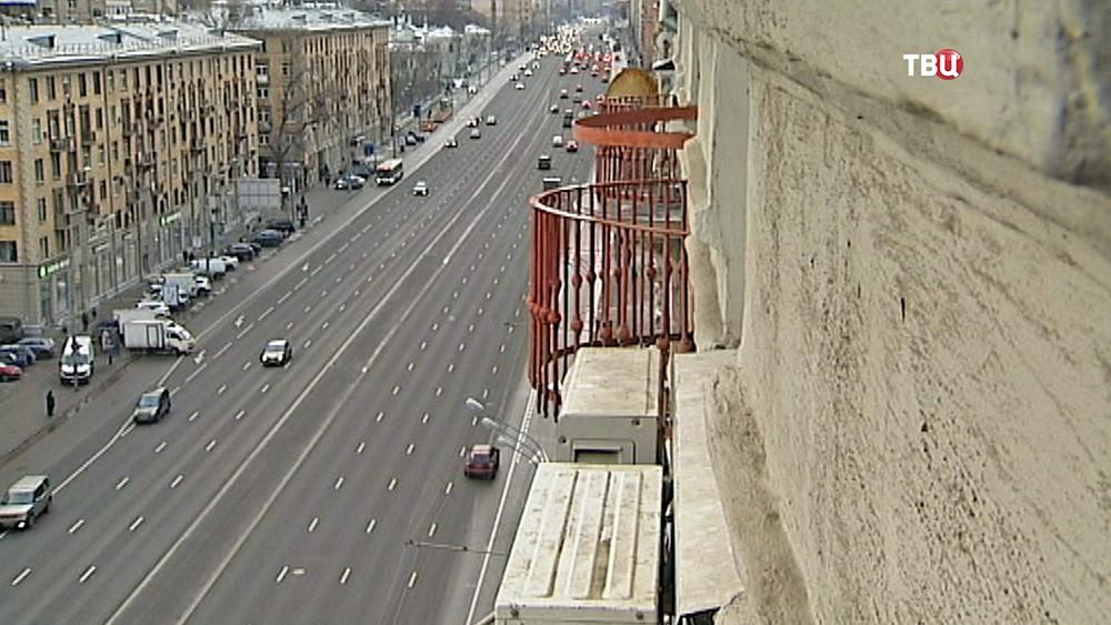 Балконы на фасаде здания