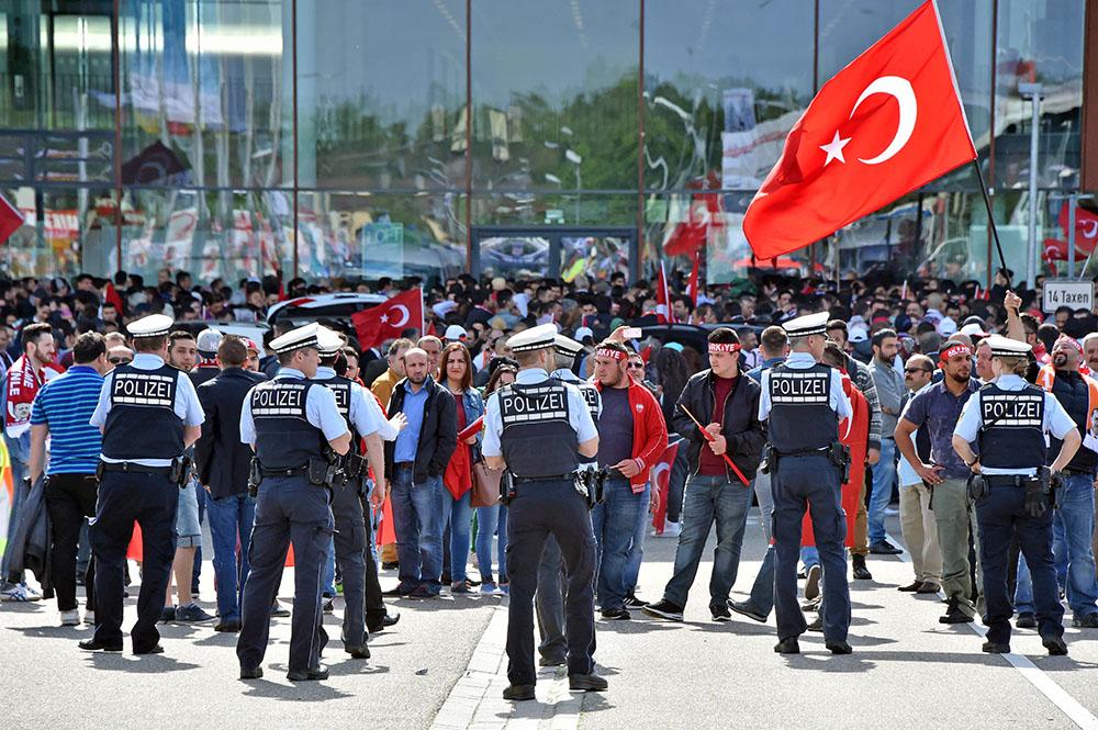 Митинг турков в Германии
