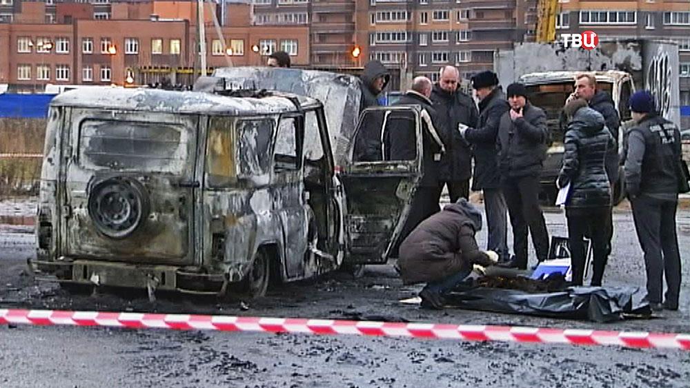 Следственные действия на месте нападения на полицейских в Санкт-Петербурге