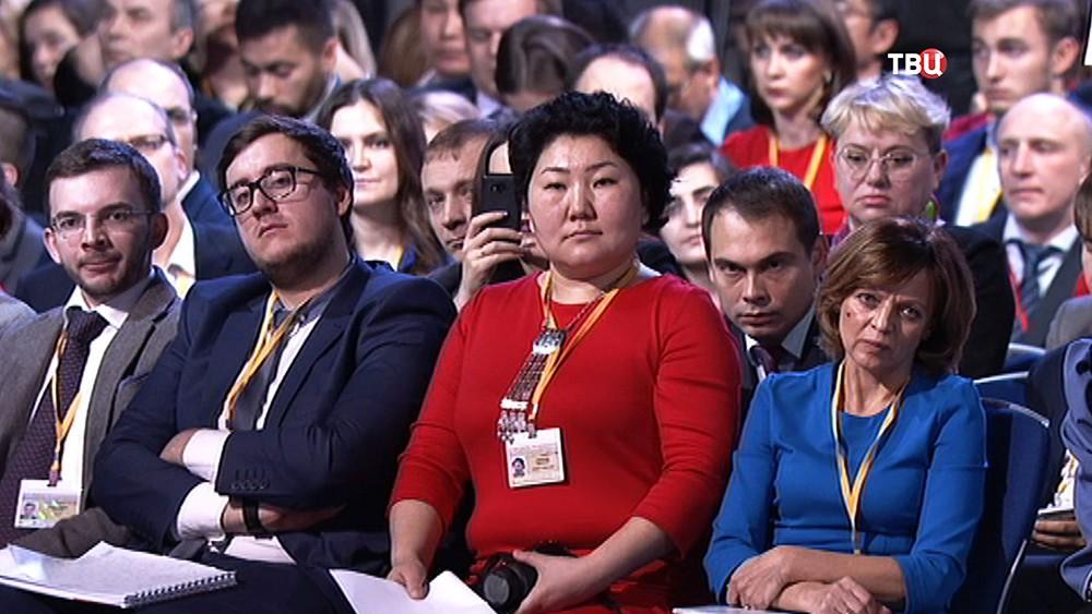 Журналисты на большой пресс-конференции президента России Владимира Путина
