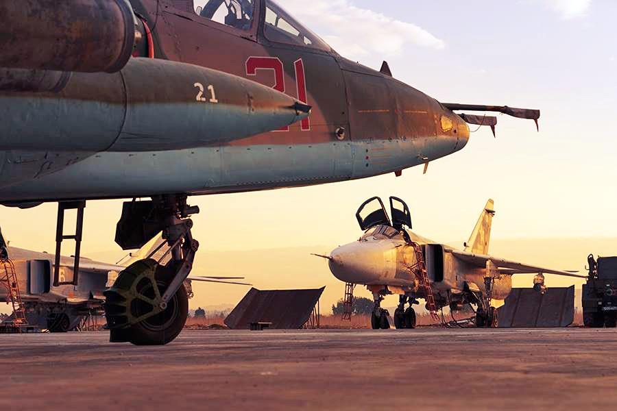 Истребители авиагруппировки ВКС России на авиабазе в Сирии