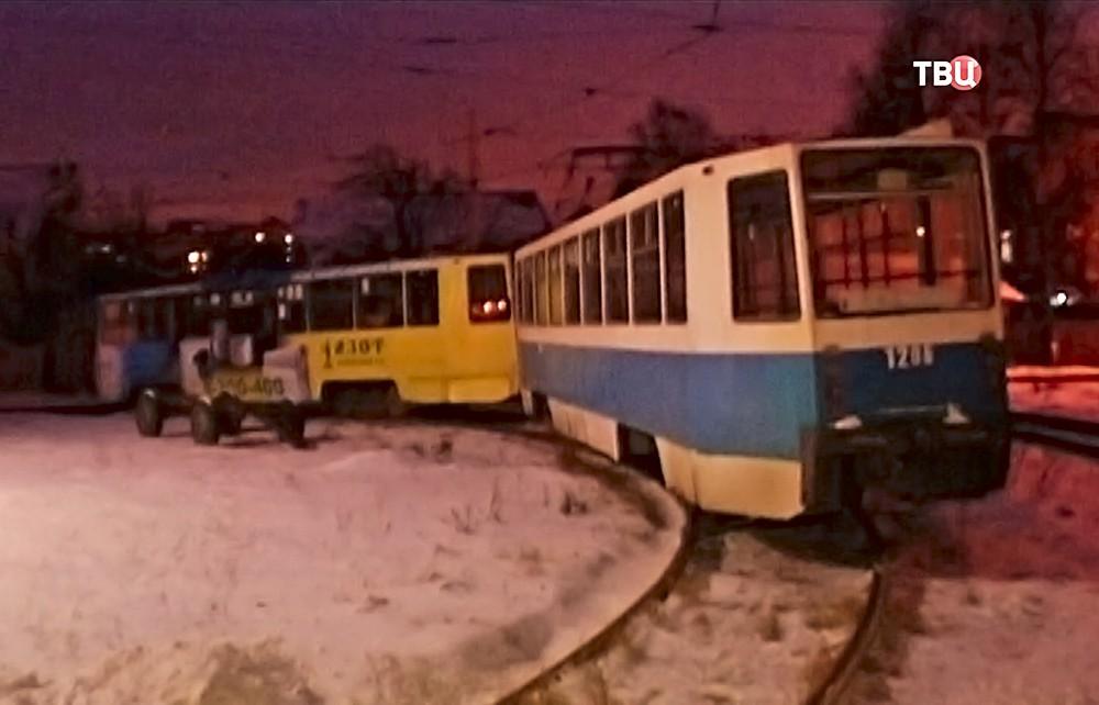 Стоящие без электричества трамваи в Нижнем Новгороде