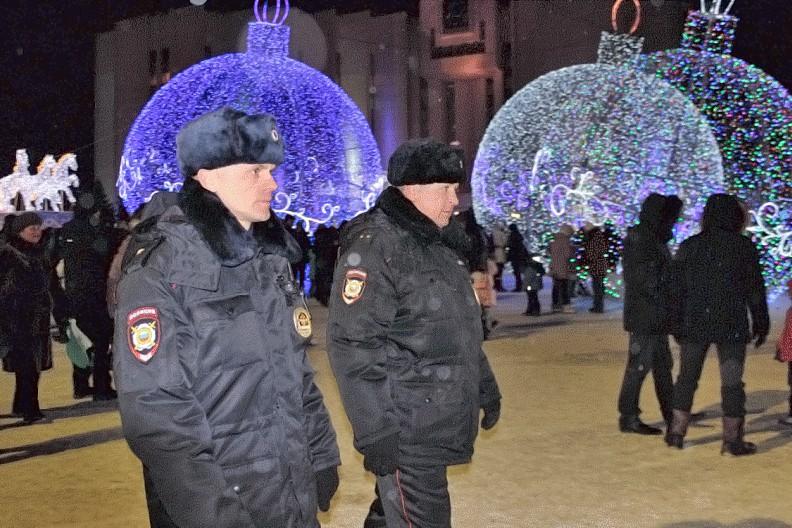 Полицейский патруль в новогодние праздники