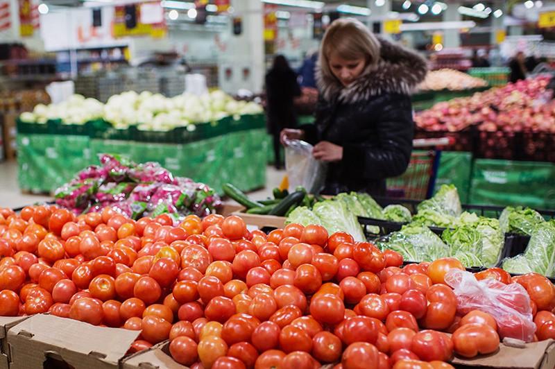 Овощной отдел магазина