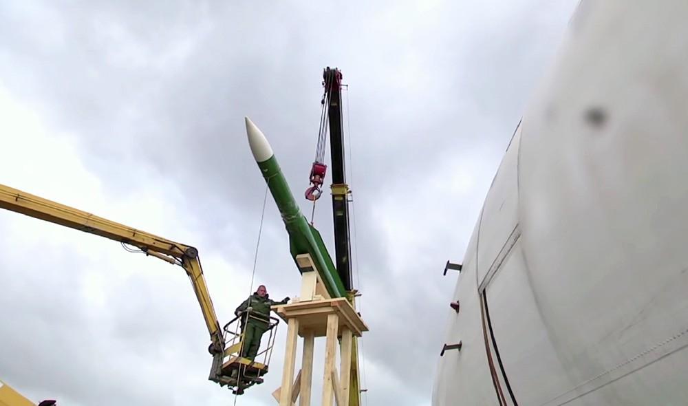"""Фюзеляж самолета Ил-86 и ракета 9М38М1, установленные для проведения натурного эксперимента концерна ПВО """"Алмаз – Антей"""""""