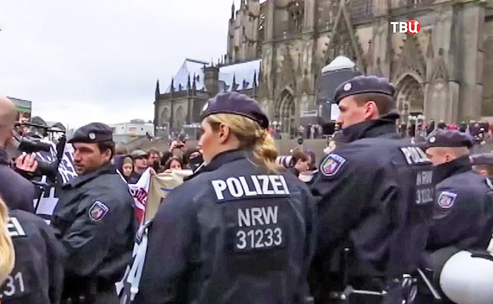 Немецкая полиция в Кёльне