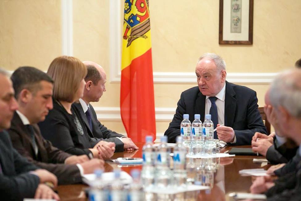 Президент Молдавии Николае Тимофти проводит совещание