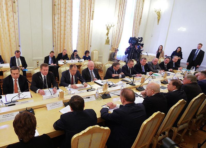 Участники заседания делового совета при МИД России