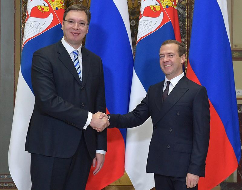 Председатель правительства РФ Дмитрий Медведев и премьер-министр Республики Сербия Александр Вучич во время встречи