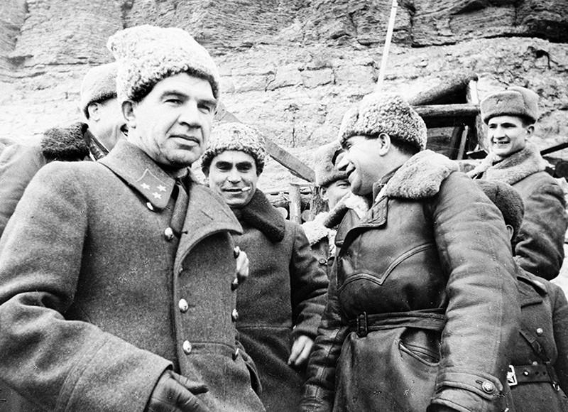 Генерал-лейтенант, командующий 62-й армией Василий Иванович Чуйков в период боев за город Сталинград