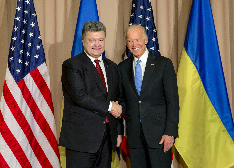 Президент Украины Пётр Порошенко и вице-президент США Джозеф Байден