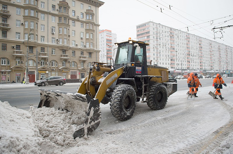 Уборка улиц Москвы от снега