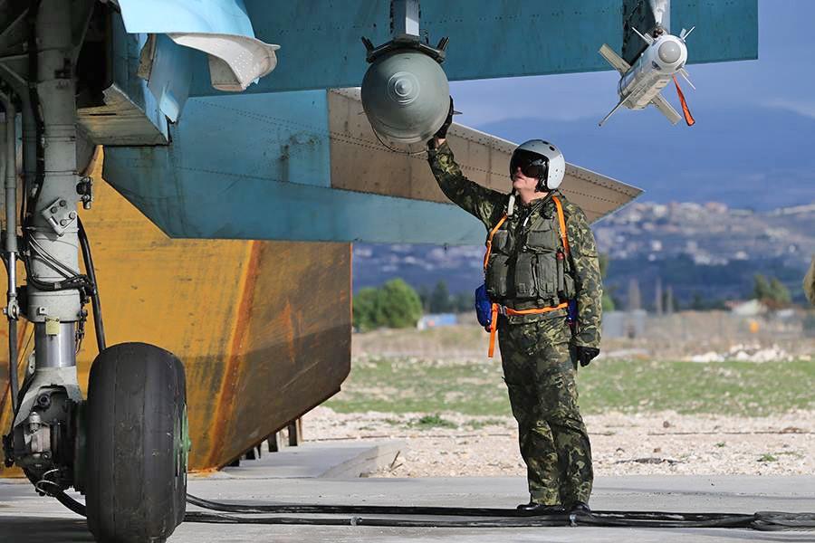 Проверка боевого оснащения истребителей ВКС России