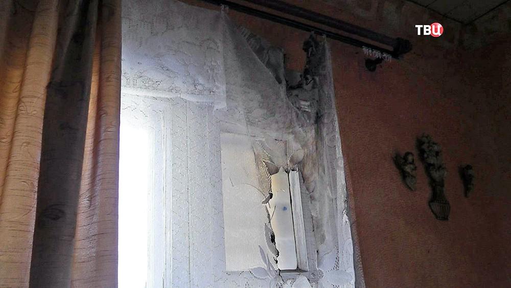 Коллектор пытался поджечь частный дом