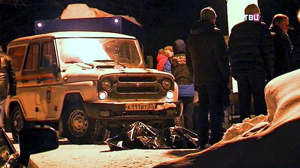 Полиция Камчатки работают на месте трагедии на теплотрассе