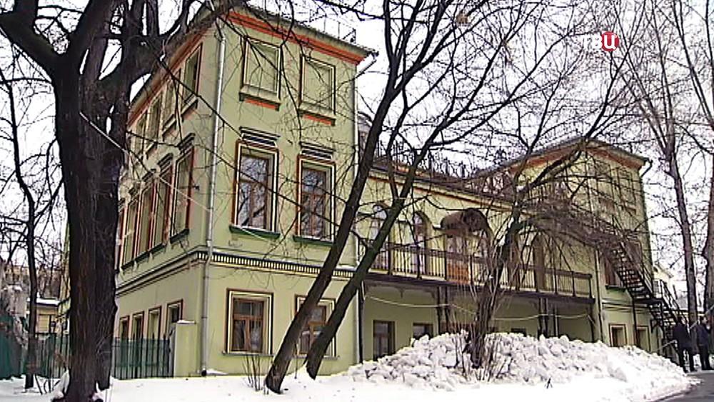 В центре Москвы отреставрировали старинный особняк Шибаева