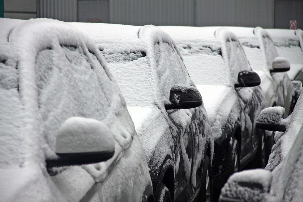 Машины на парковке