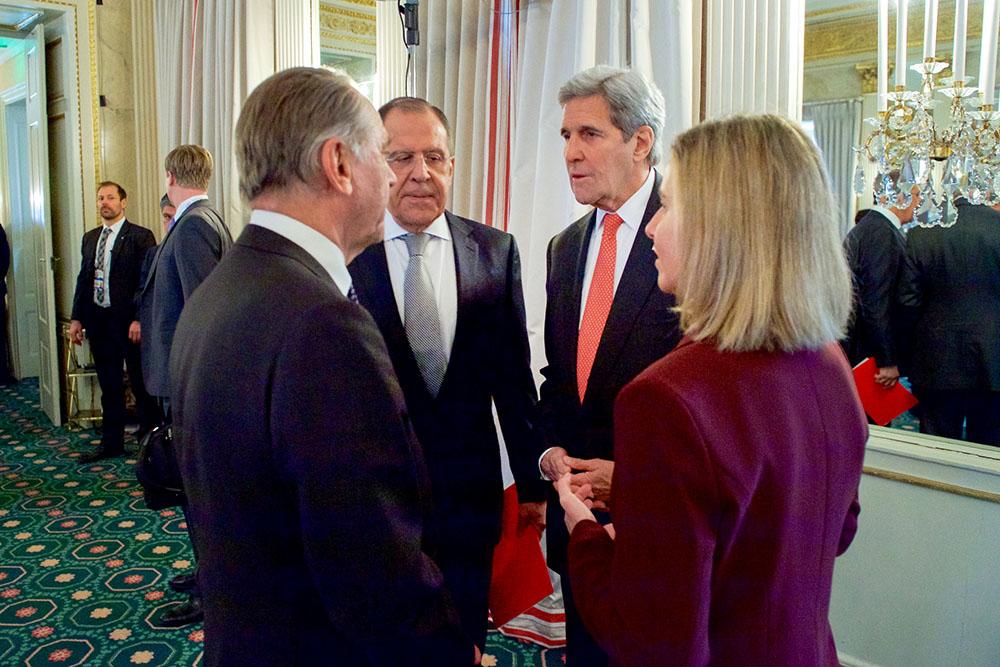 Сергей Лавров, Джон Керри, Стаффан де Мистура и Федерика Могерини на переговорах по поддержке Сирии
