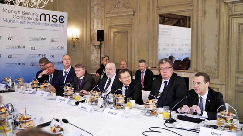 Встреча Дмитрия Медведева с представителями деловых кругов России и Германии в рамках Мюнхенской конференции