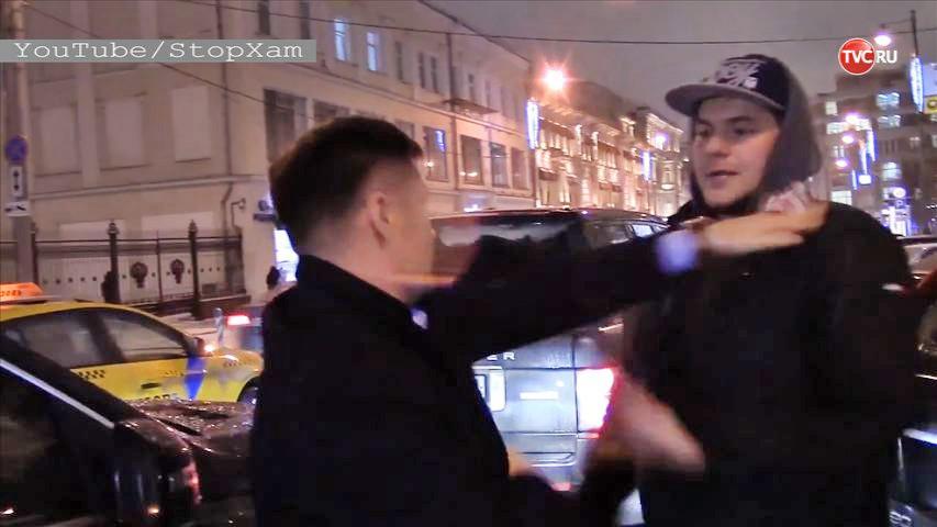 "Алексей Немов и активист движения ""Стопхам"""