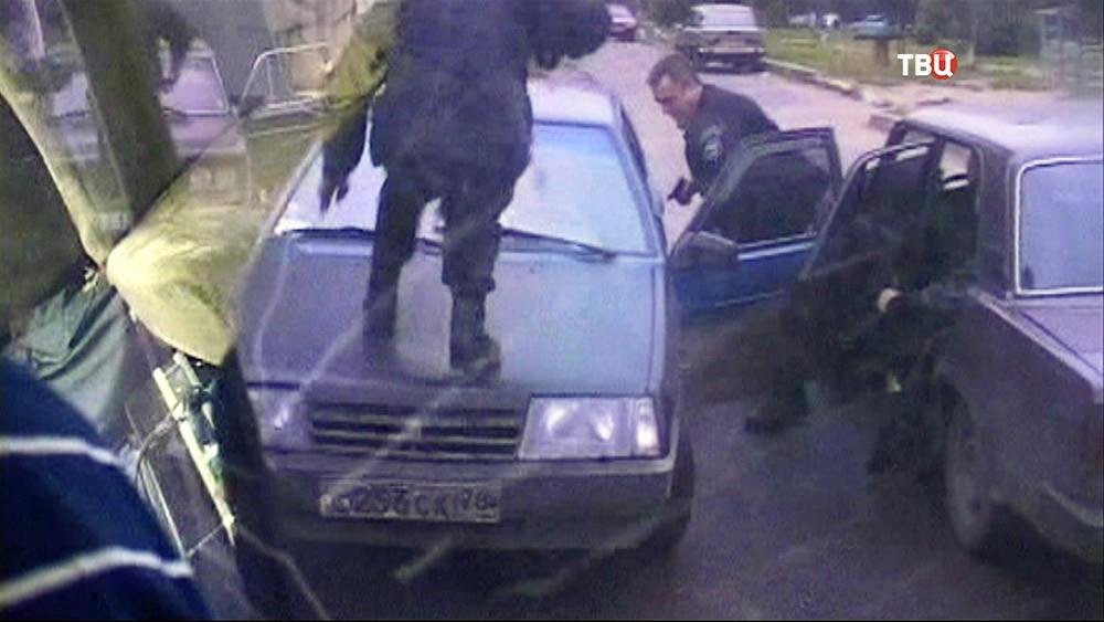 Полиция проводит задержание банды
