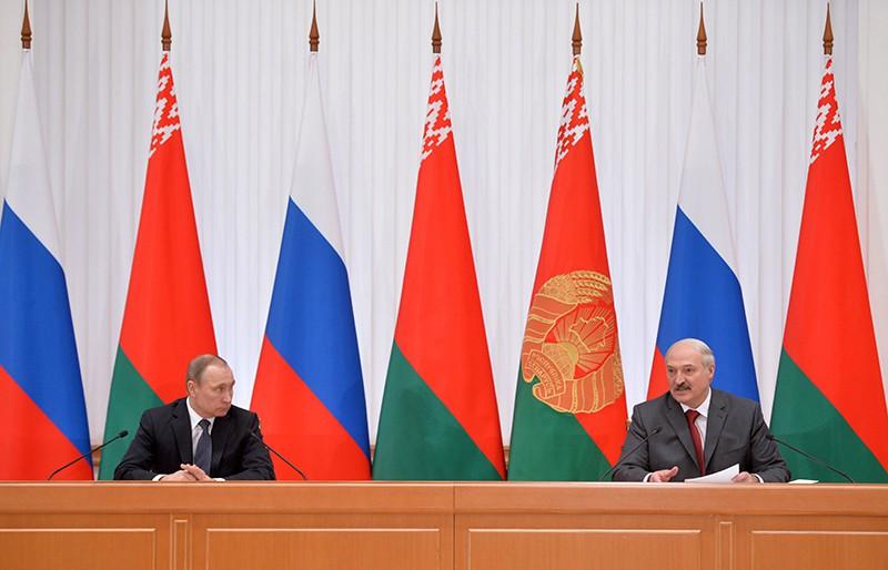 Президент России Владимир Путин и президент Белоруссии Александр Лукашенко во время совместного заявления для прессы