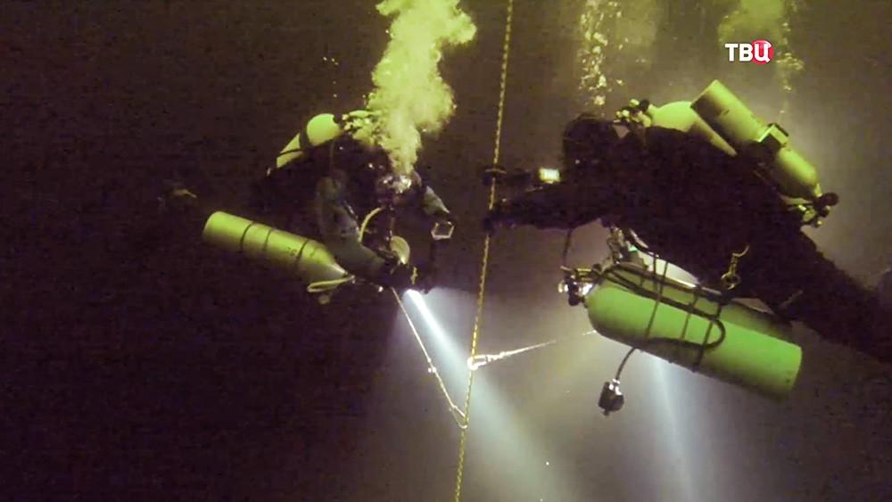 Погружение аквалангистов