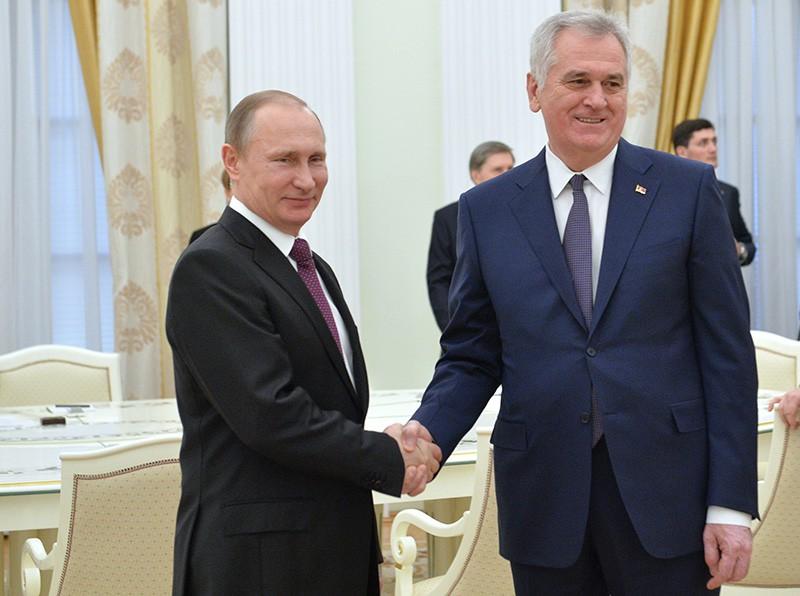Президент России Владимир Путин и президент Сербии Томислав Николич во время встречи в Кремле