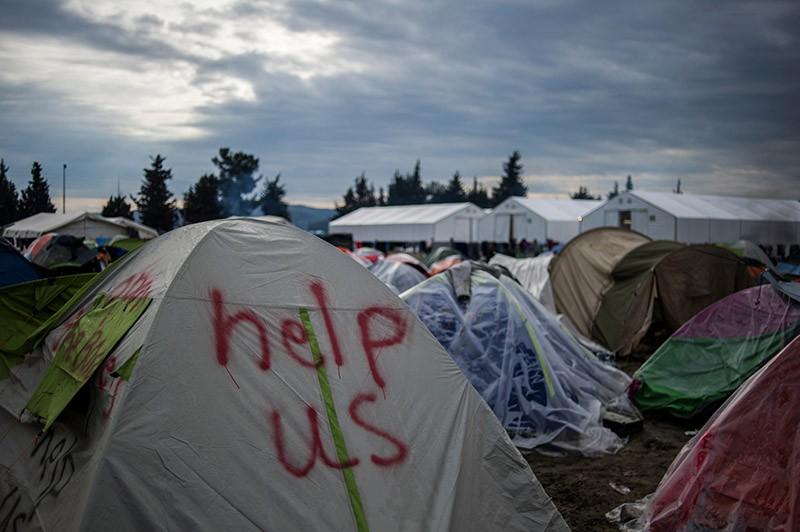 Палаточный городок мигрантов в Греции